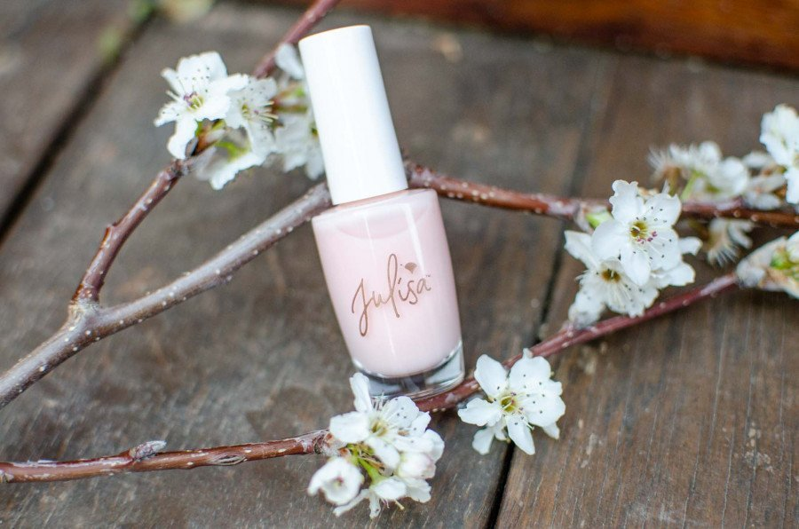 What is Plant-Based Nail Polish?