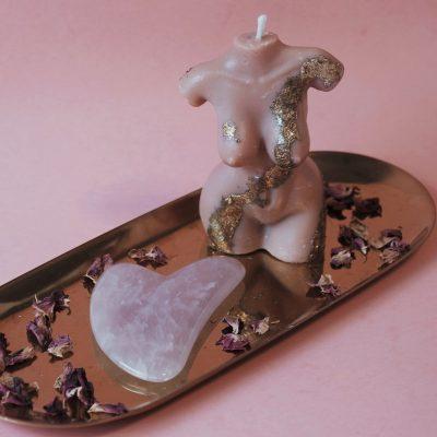 Mer-femme Soy Candle + Rose Quartz Gua Sha Kit | JULISA